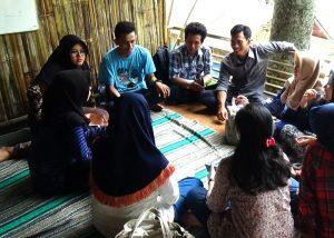 Membangkitkan Ekonomi Umat dengan Rumah Kreatif Desa